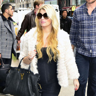 Jessica Simpson and Eric Johnson Shop at Barneys Pictures
