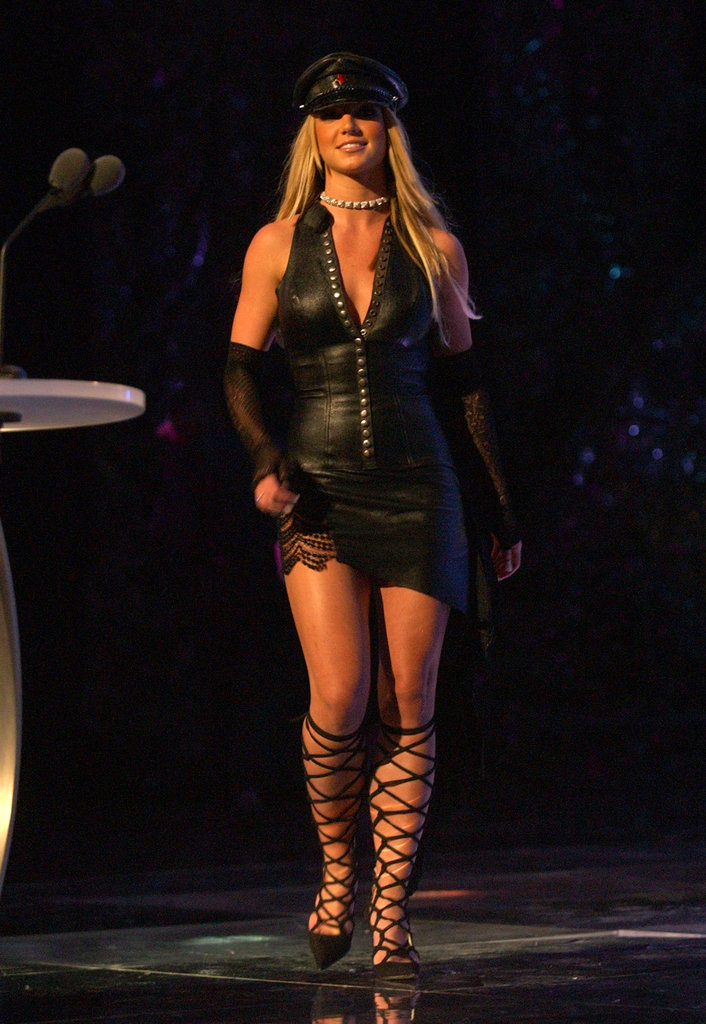 She wore black to the MTV Video Music Awards in 2002.