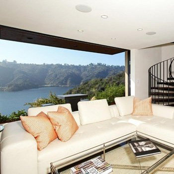 Robert Pattinson and Kristen Stewart Rental Home in Bel-Air