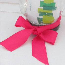 Doable DIY: Gift Card Glitter Globes