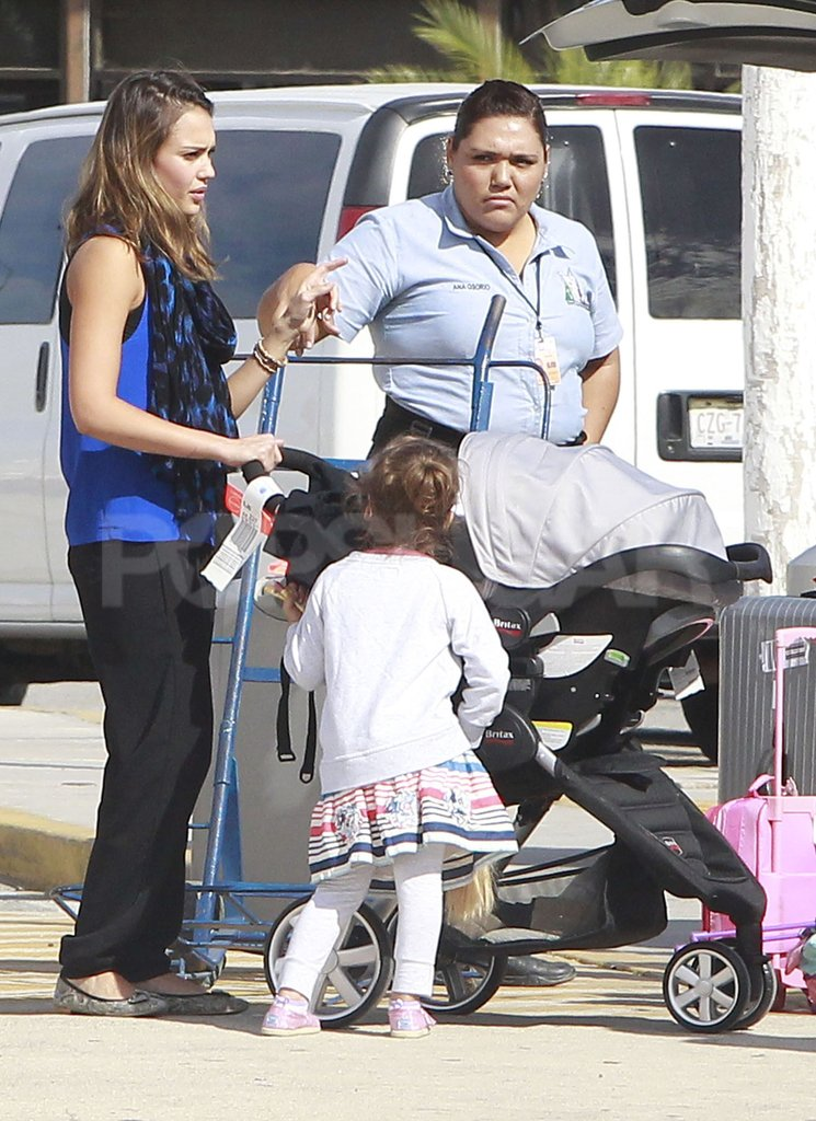 Jessica Alba and Honor Warren strolled through a Mexican airport.