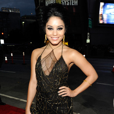 Vanessa Hudgens Sexy Black and Gold Gown Pictures at 2012 People's Choice Awards