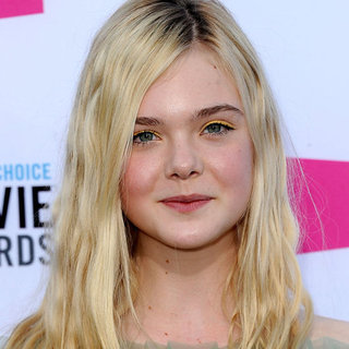 Elle Fanning Wears Yellow Eyeshadow at the 2012 Critics' Choice Awards