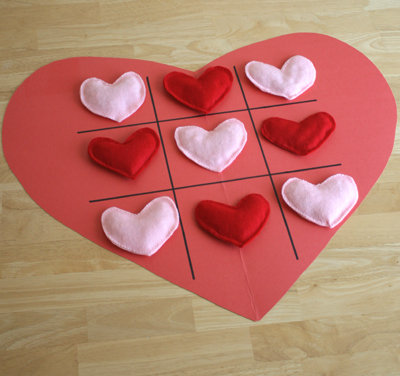 Crafts: Valentine's Day Tic-Tac-Toe Heart