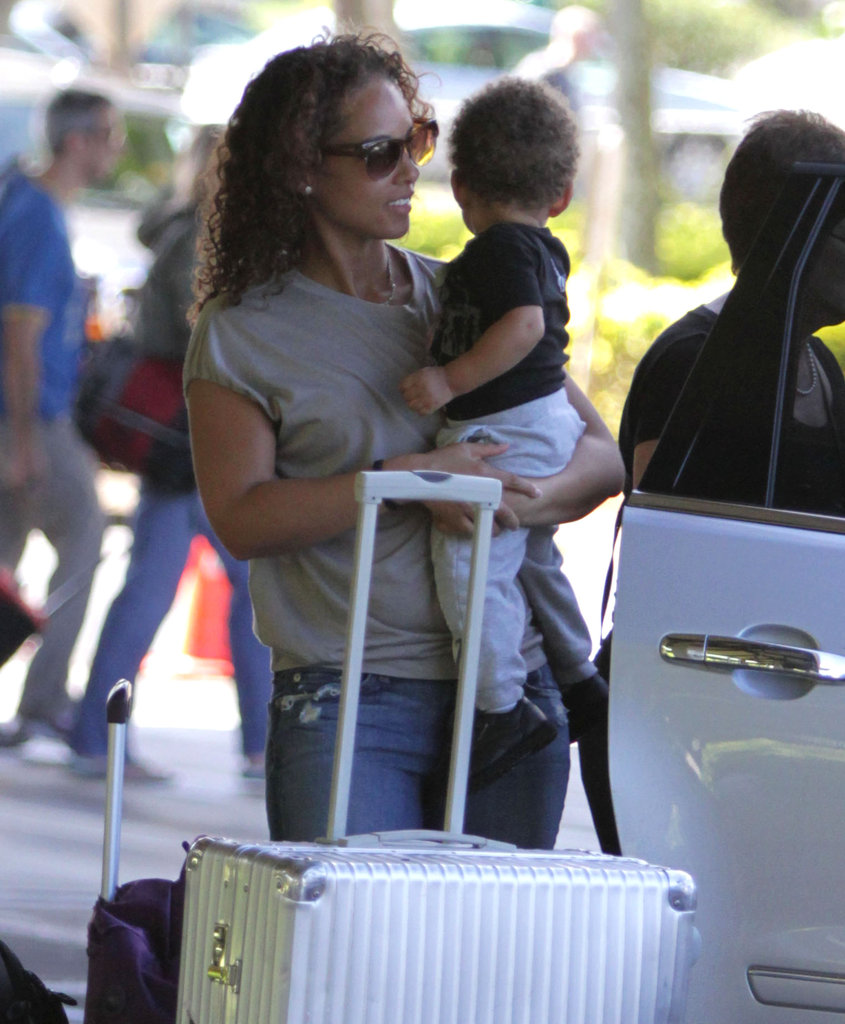 Swizz took care of the luggage while Alicia kept Egypt occupied.