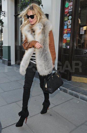 Kate Moss prend une pause déjeuner ultra stylée à Londres !