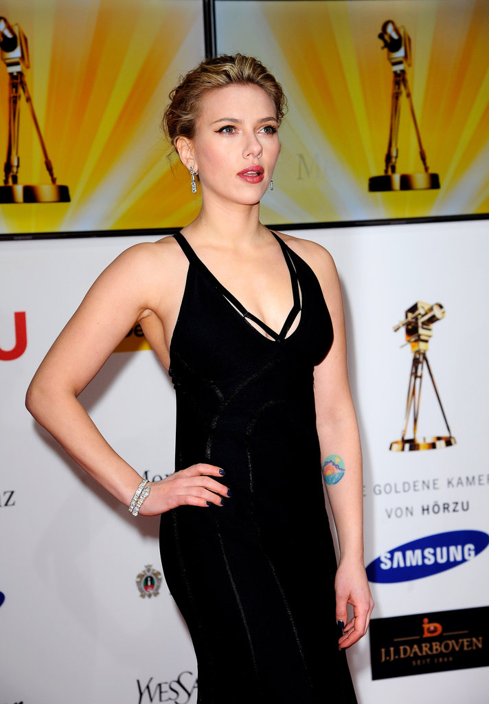 Scarlett Johansson posed in black Calvin Klein.