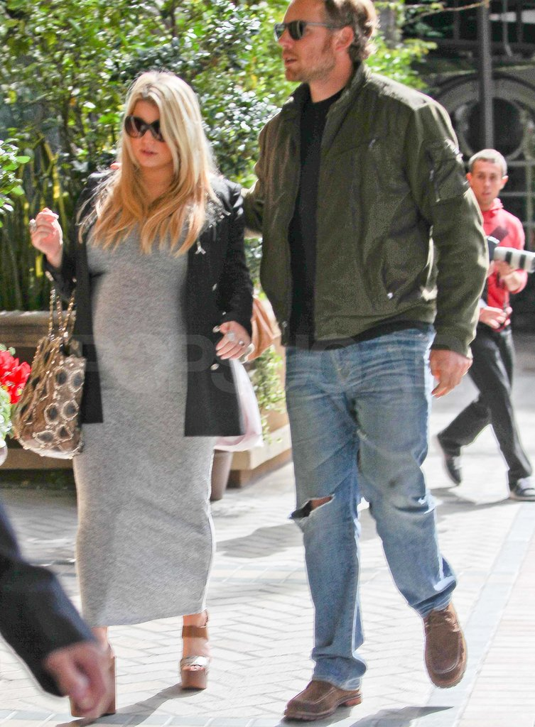 Pregnant Jessica Simpson with Eric Johnson.