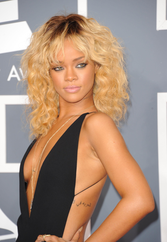 Red Carpet Dress Pictures at Grammy Awards 2012 | POPSUGAR Celebrity