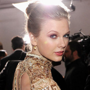 Taylor Swift's Hair and Makeup at the 2012 Grammy Awards