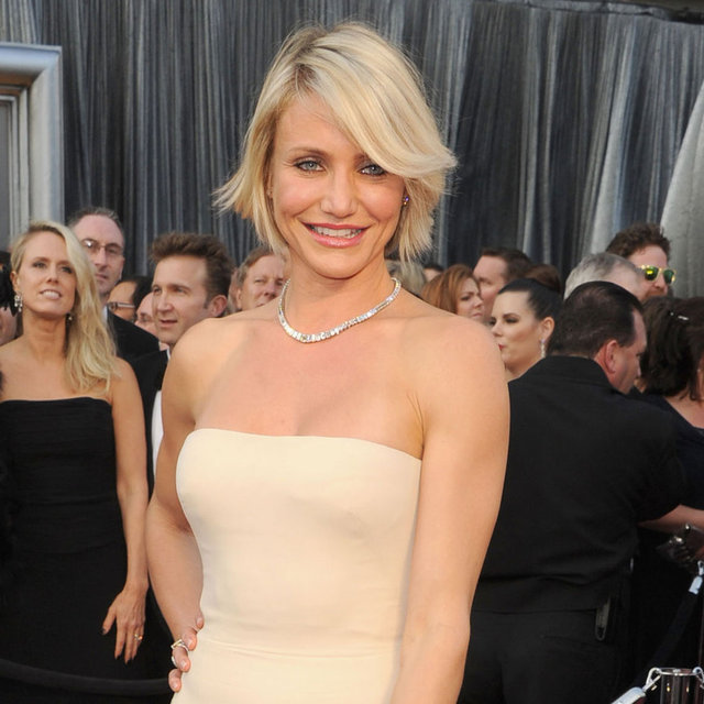 Cameron Diaz Gucci Premiere Dress Pictures at 2012 Oscars