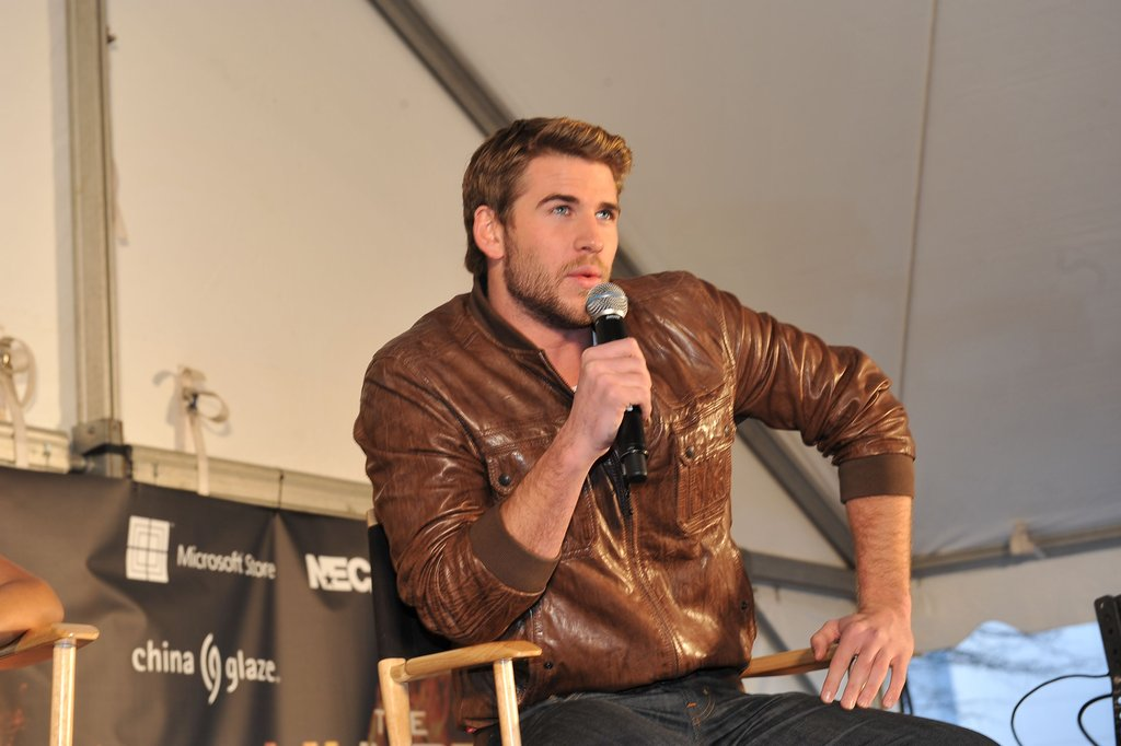 Liam Hemsworth took the stage at Lenox Square.