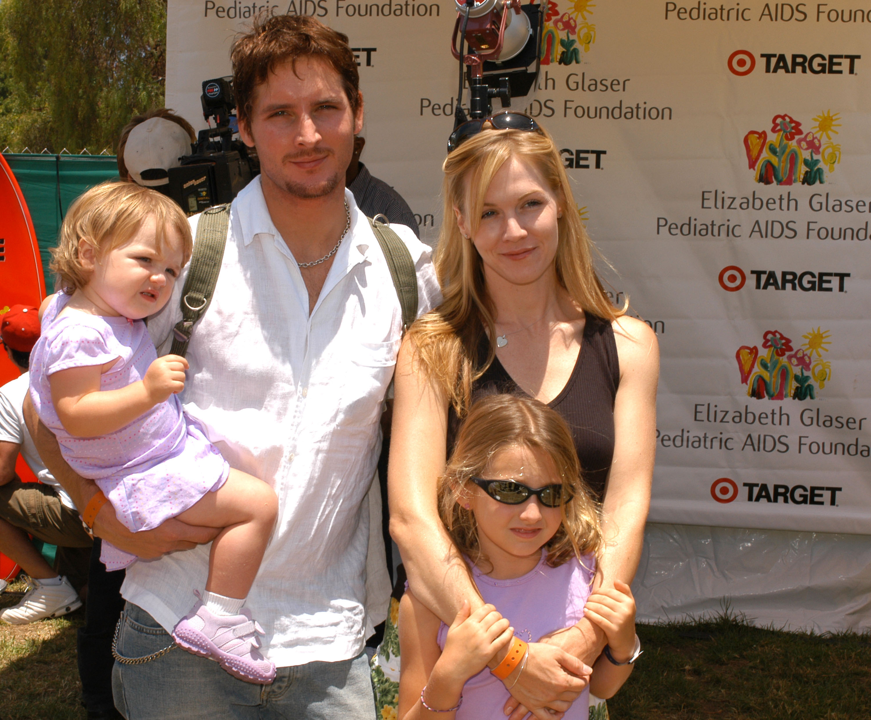 In June of 2004, Peter Facinelli and Jennie Garth took daughters Luca and Lola to LA's A Time for Heroes Celebrity Carnival.