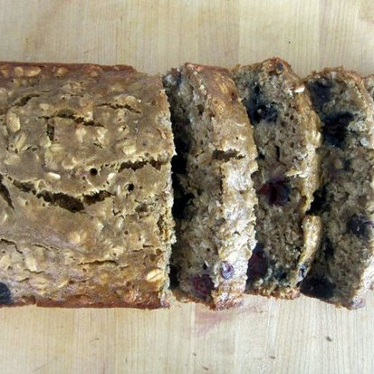 Low-Fat Oatmeal Blueberry Banana Bread Recipe