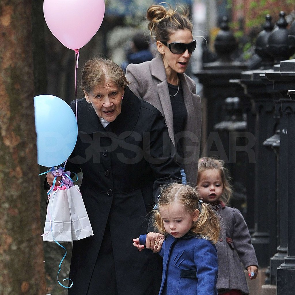 Tabitha Broderick and Loretta Broderick spent Sarah Jessica Parker's birthday with her.