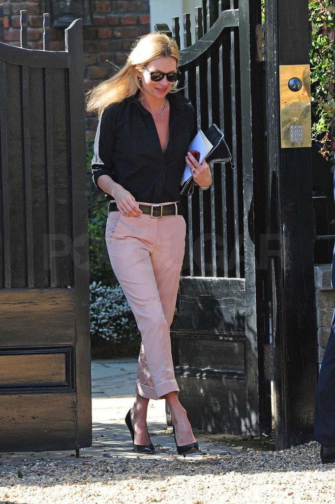 Kate Moss wore pink pants.