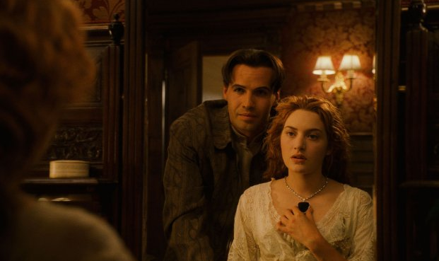 A glimpse of the scene-stealing jewels — and a look at Rose's pretty dressing gown.
