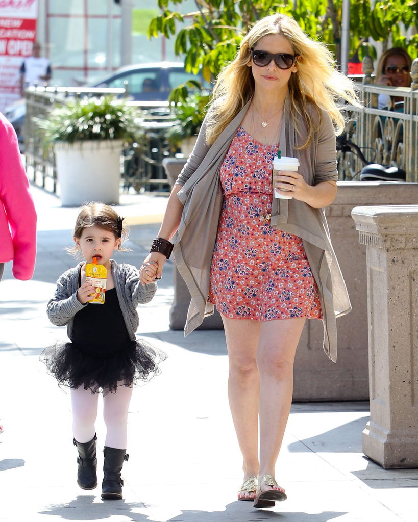 Sarah Michelle Gellar and daughter Charlotte stopped to get beverages on the way to a ballet class in LA.