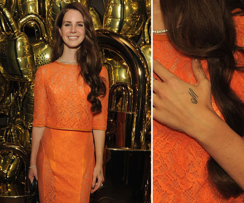 "Lana Del Rey has the letter ""M"" inked on her left hand."