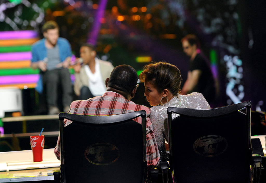 Jennifer Lopez discussed the contestants with Randy Jackson.