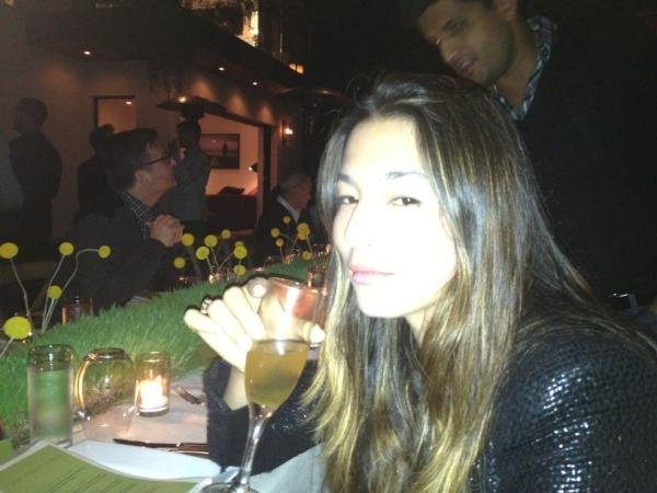 Aussie model Jessica Gomez relaxed at a dinner party.