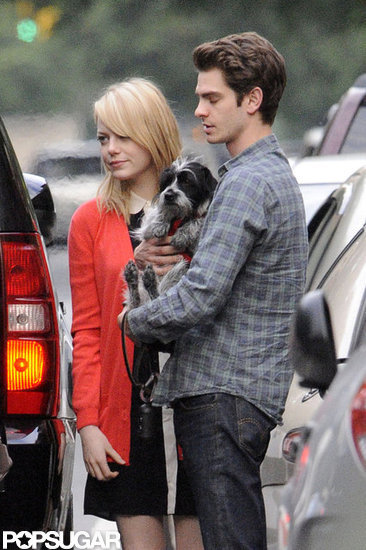 Emma Stone and Andrew Garfield looked sad to say goodbye to her mom after a visit in NYC.