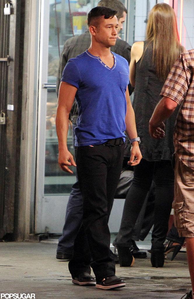 Joseph Gordon-Levitt wore a blue t-shirt and black pants while filming his next project.