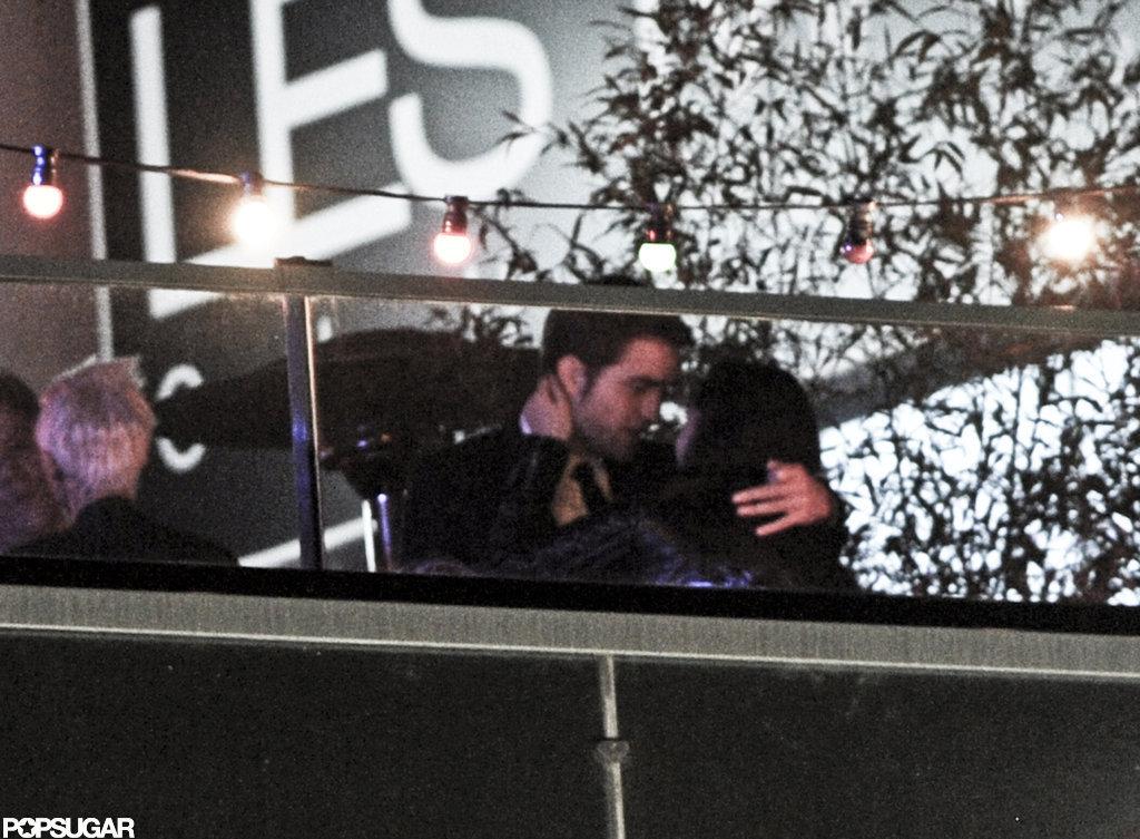 Robert Pattinson and Kristen Stewart kissed in Cannes.
