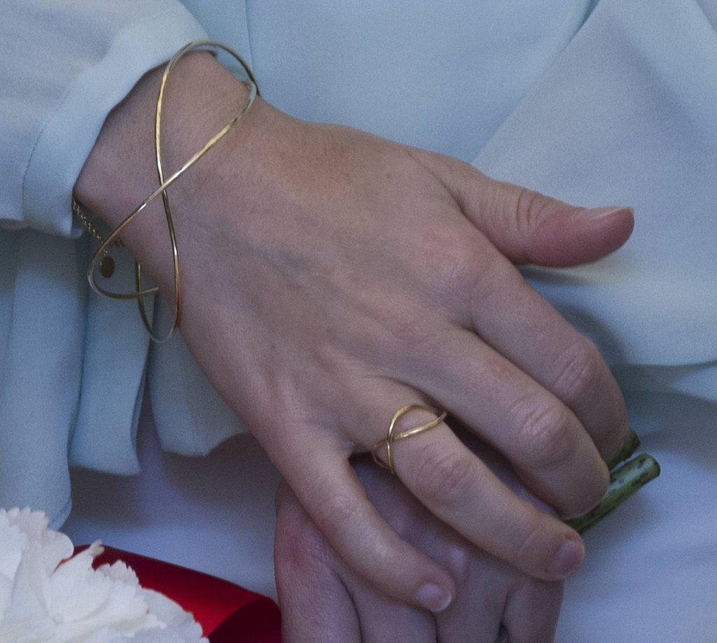 Beautiful, fine gold jewellery makes a delicate statement.