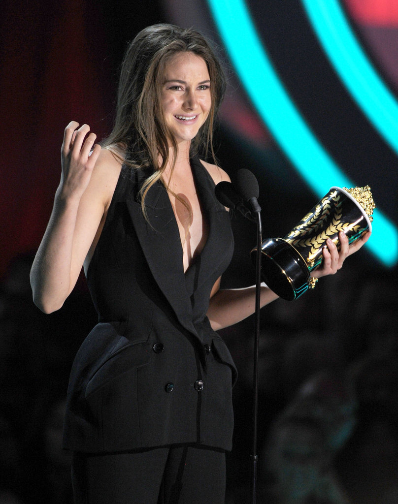Shailene Woodley accepted her first golden popcorn award.