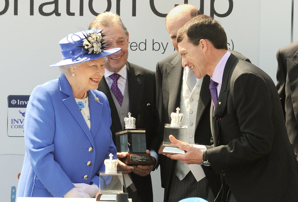The queen presented the Diamond Jubilee Coronation Cup.