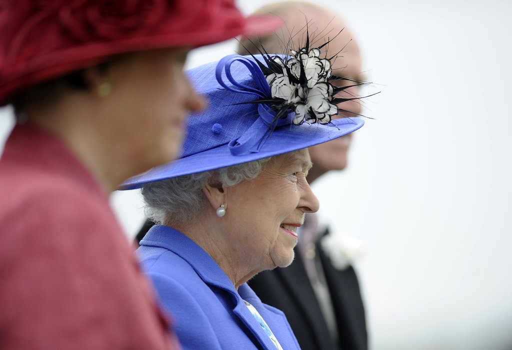 The queen looked on as she arrived at the Diamond Jubilee Derby.