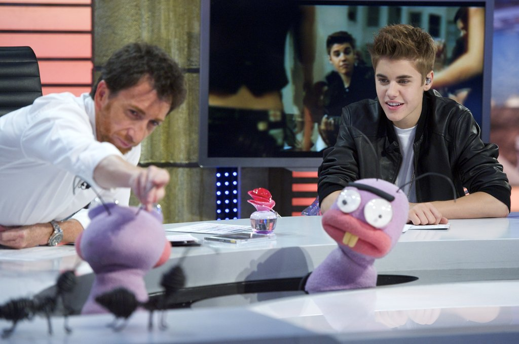 Justin Bieber chatted with the puppets on El Hormiguero.
