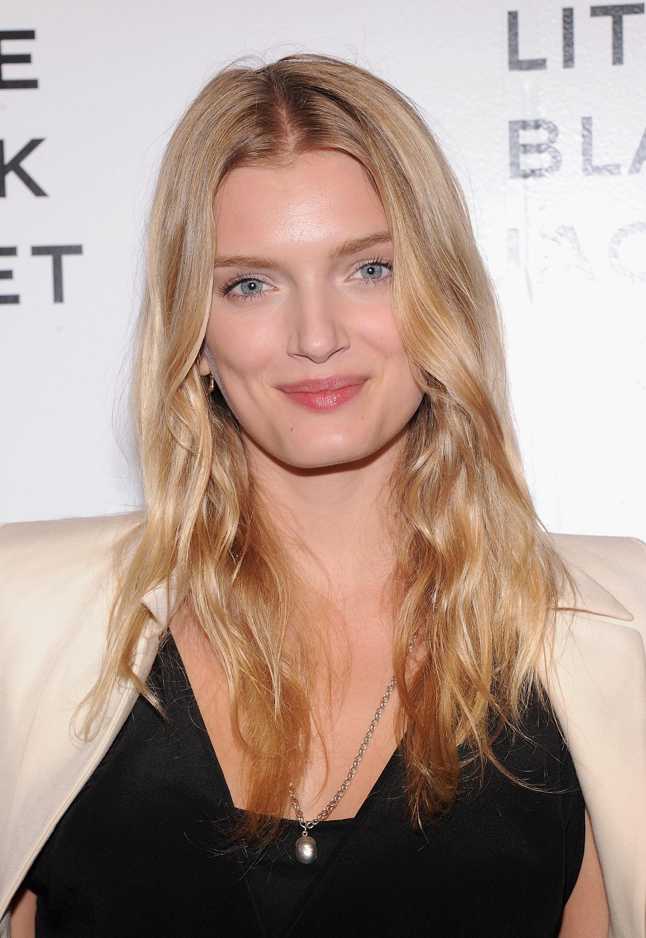 Lily Donaldson earned a  million dollar salary - leaving the net worth at 5 million in 2017