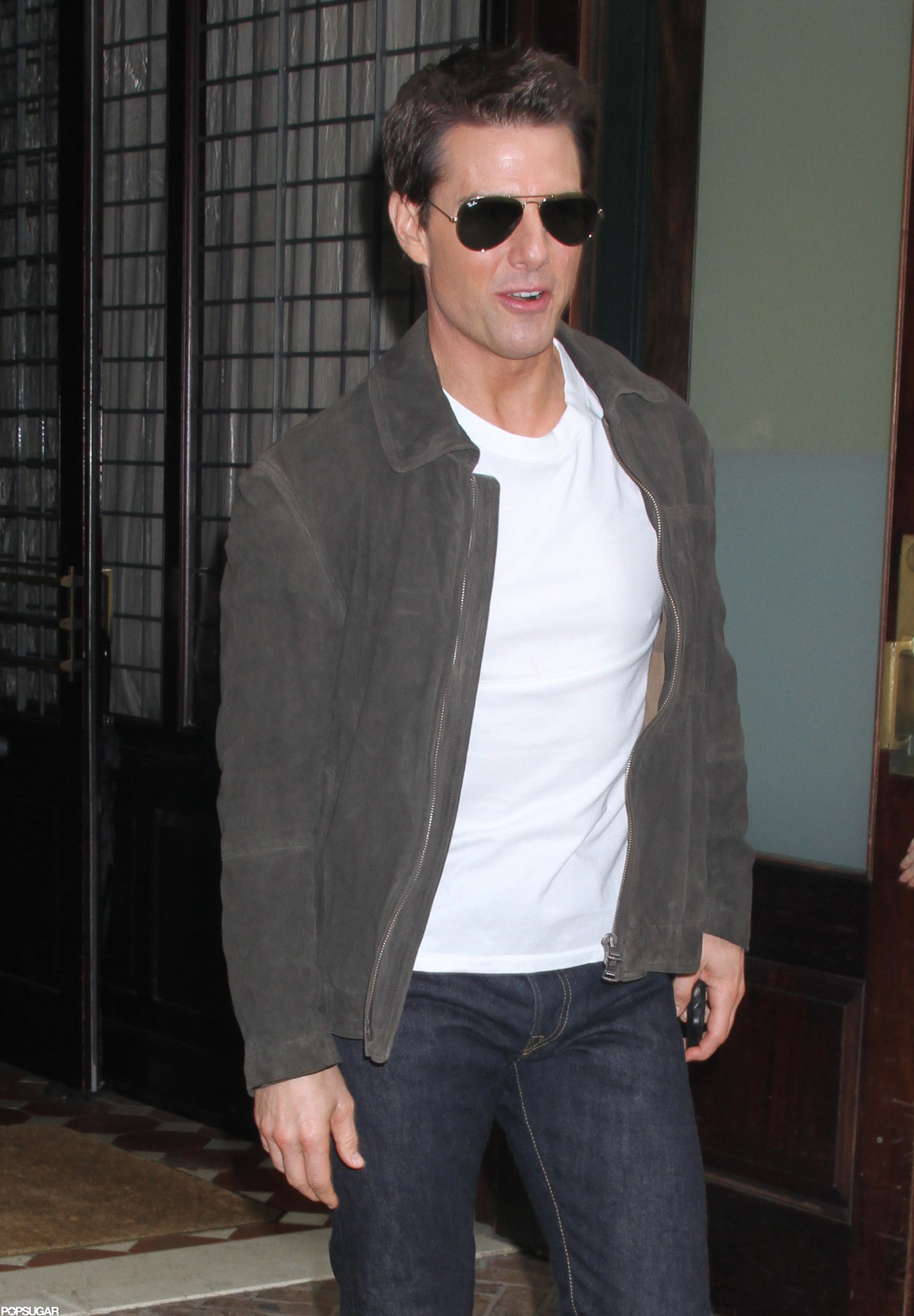 Tom Cruise headed for the car in NYC.