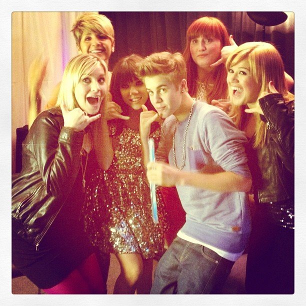 Carly Rae Jepson shared a picture of herself getting silly with Justin Bieber and Kelly Clarkson. Source: Instagram user carlyraejepsen