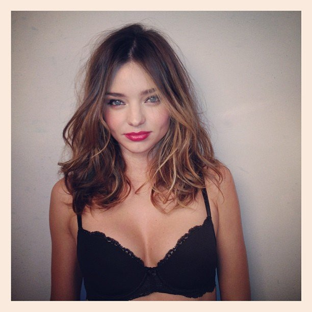 Miranda Kerr sent love to her fans while on a photo shoot. Source: Instagram user mirandakerrverified