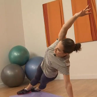 Tone Your Love Handles With Three Side Planks to Work Your Obliques