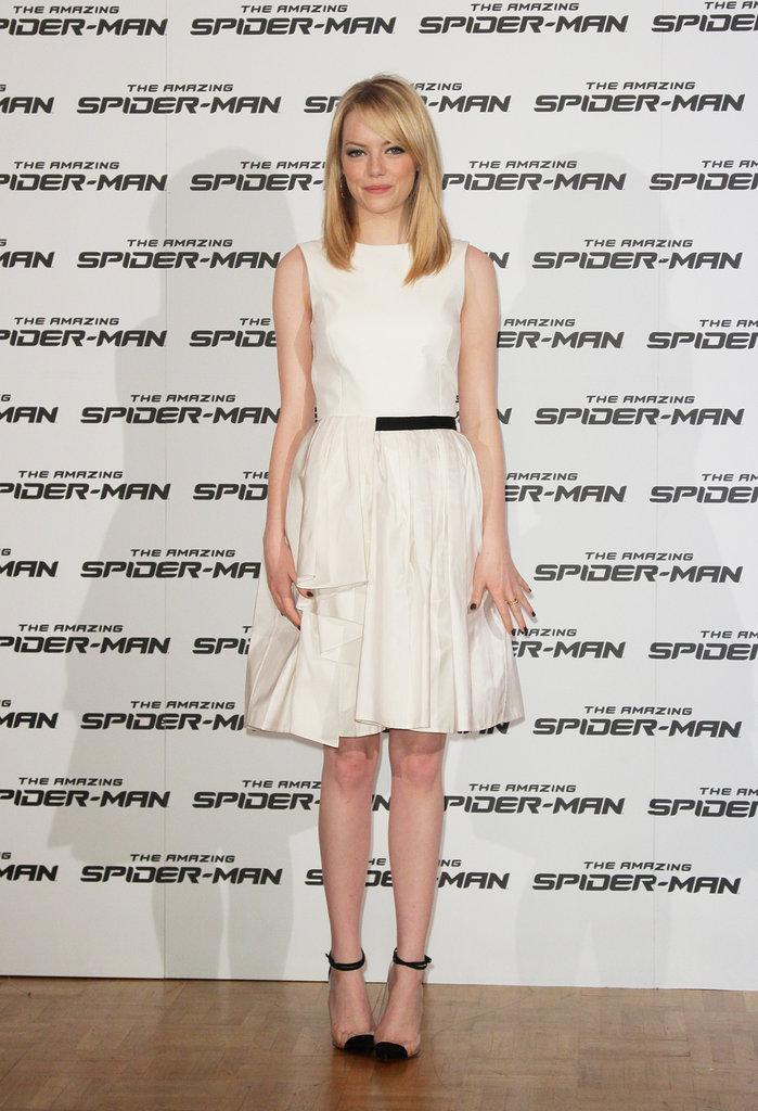 Emma returned to a simple LWD dressing MO, this time in a Jason Wu Resort '13 iteration, for her Rome photocall appearance. To add interest, she wore (again!) Christian Louboutin's Un Bout ankle-strap pumps.