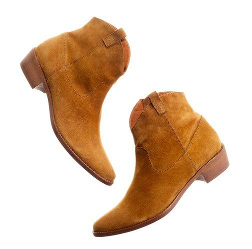 If there's one thing a city vacation requires, then it's an ample shoe supply. Unlike beachier locales where it's all about sandals and barefoot walks, you need a plethora of options in cities like London, NYC, and Paris. Of course, booties are at the top of our must-pack list. Madewell Barnwood Boot ($198)