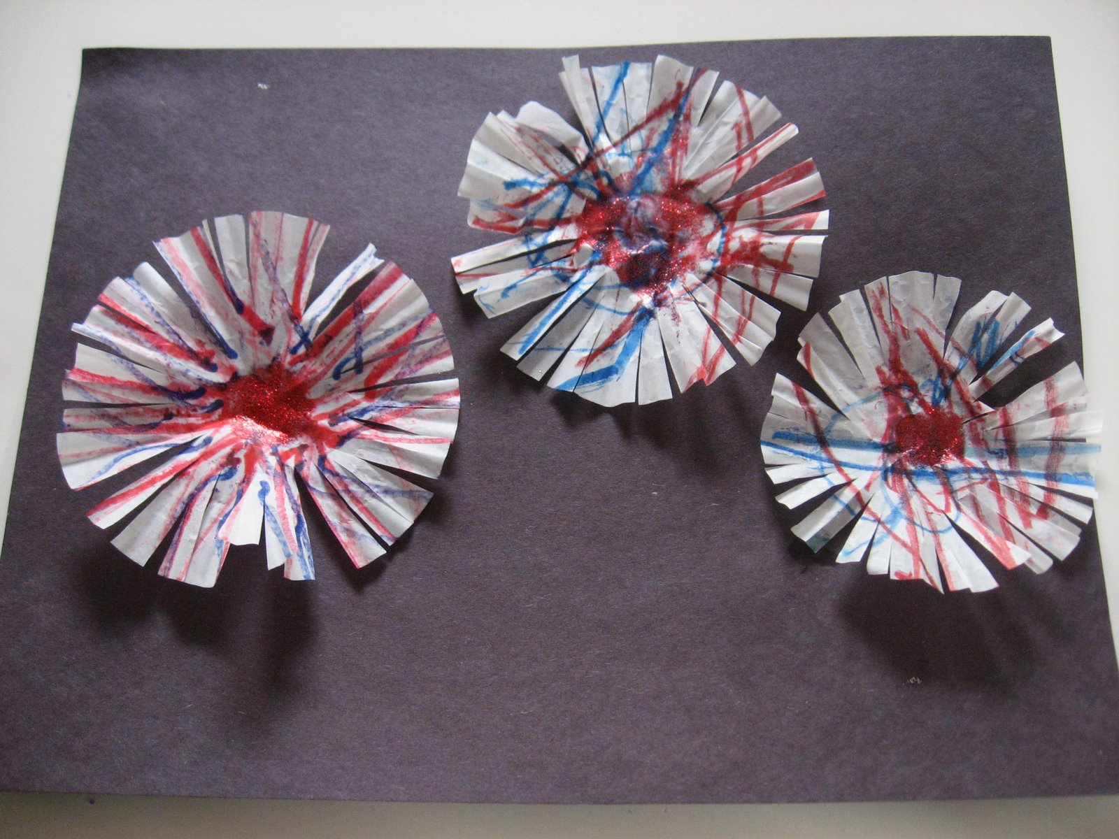 Make These: Cupcake Liner Fireworks