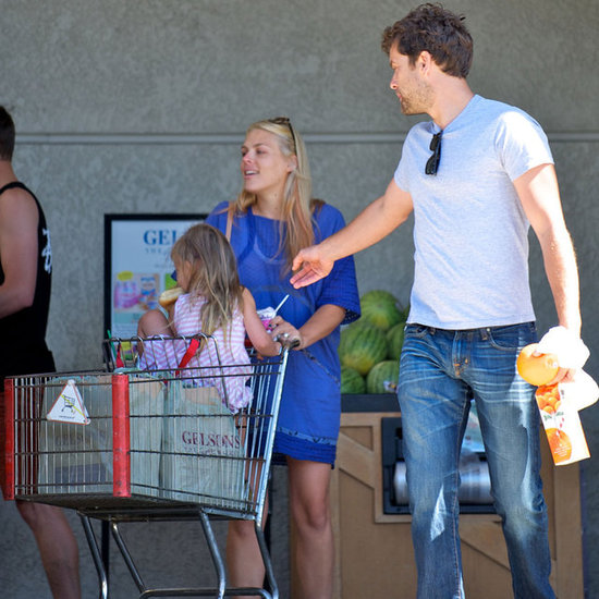 Joshua Jackson and Busy Philipps Pictures Grocery Shopping