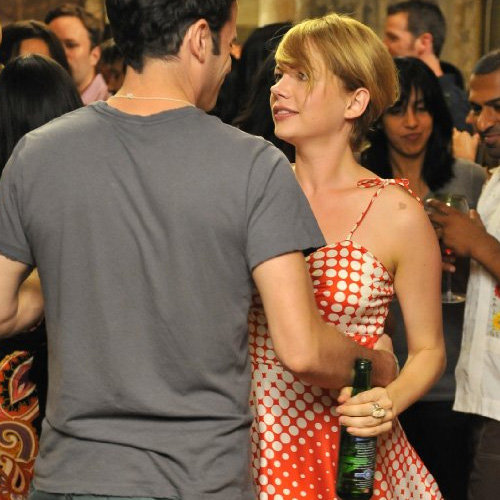 Michelle Williams Style in Take This Waltz