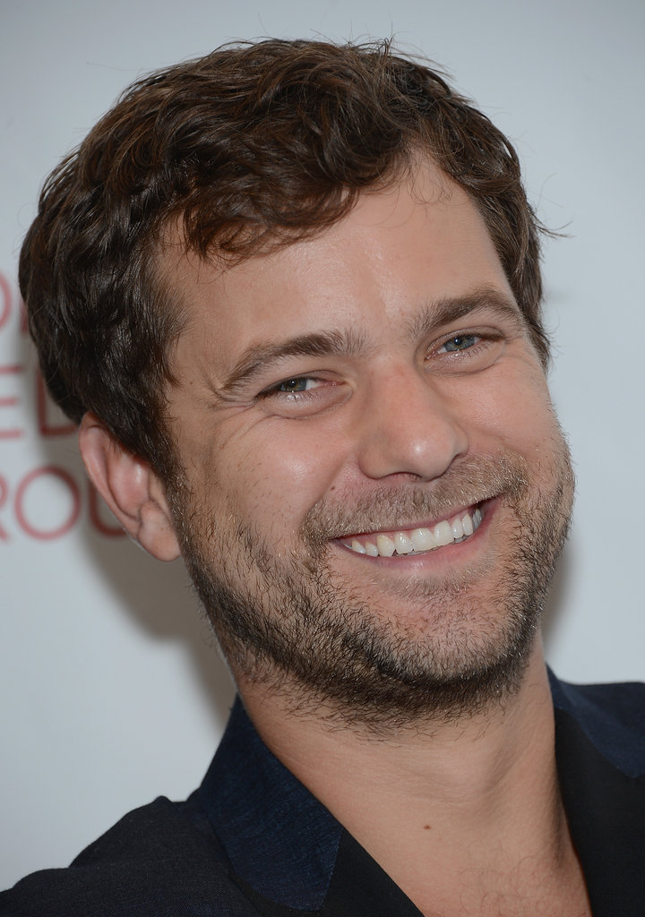 Joshua Jackson went to a premiere.