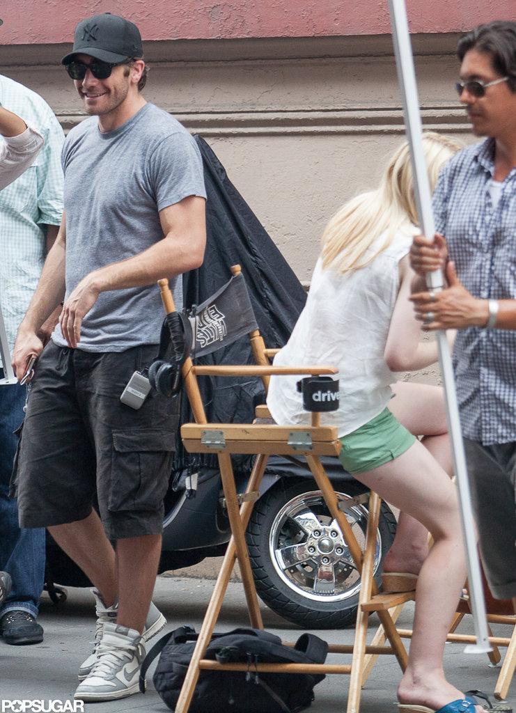 Jake Gyllenhaal and Dakota Fanning prepare to film a scene from Very Good Girls.