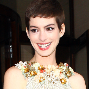 Anne Hathaway's Gorgeous Gucci Gown from all Angles: Get A Look Look at Her Dark Knight Rises London Premiere Look!