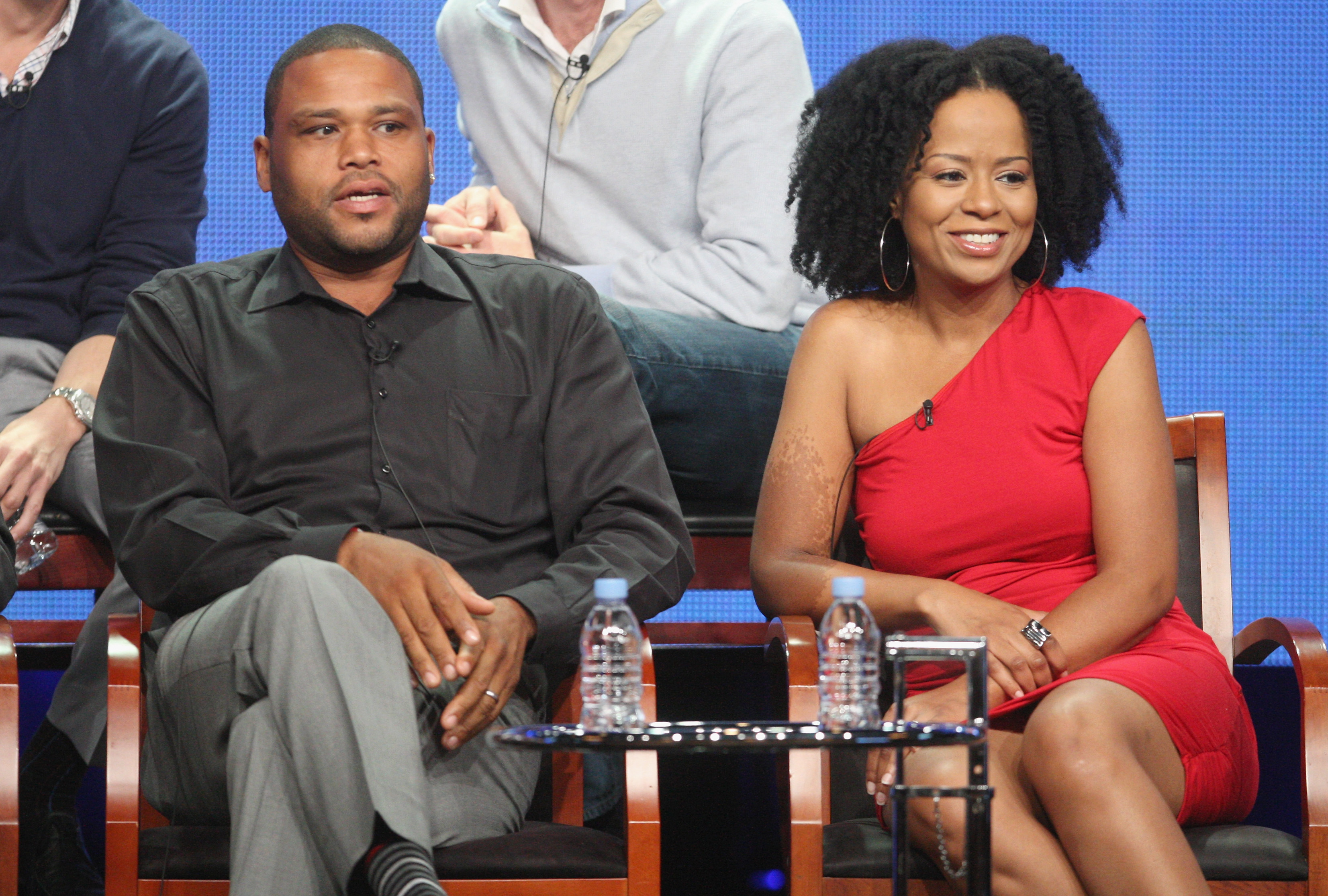 Anthony Edwards sat beside his Guys With Kids onscreen wife, Tempestt Bledsoe, at the TCA tour.
