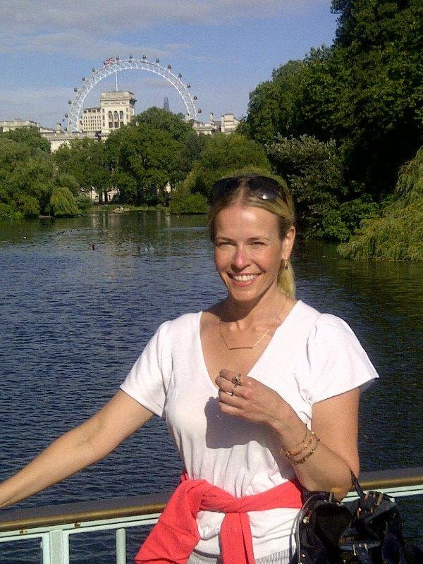 Chelsea Handler stopped in front of a beautiful London view.  Source: Facebook user Chelsea Handler