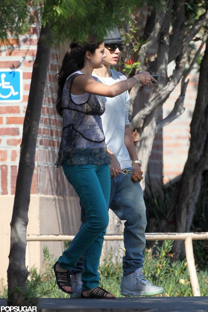 Selena Gomez got a visit from Justin Bieber on the set of her new movie in LA.