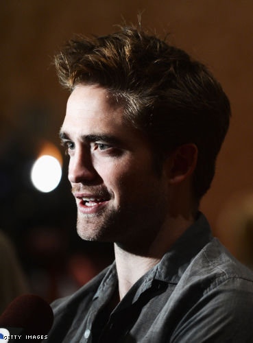Robert Pattinson to appear on The Daily Show on Monday August 13!